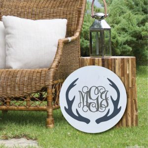 5009 Antlers With Monogram